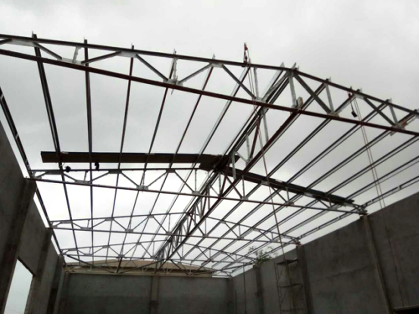 steel roof truss